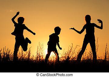 lycklig, park., barn spela