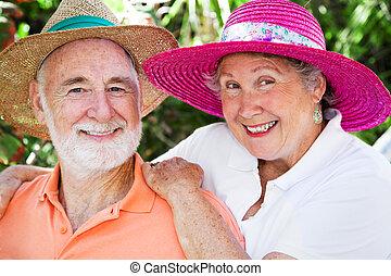 lycklig, seniors, in, hattar