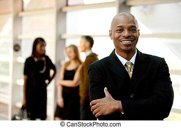 lycklig, svart, affärsman