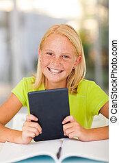 lycklig, tonåring flicka, holdingen, kompress, dator