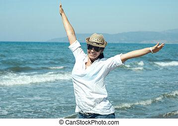 lycklig woman, med, räcker, högt upp