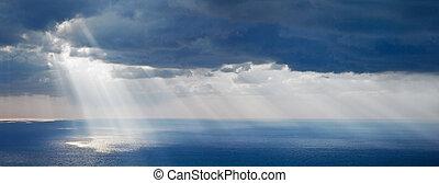 lysande, solljus, över, ocean
