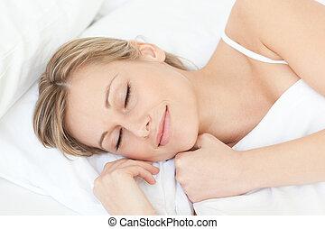 lysande, trött, kvinna, sova, på, henne, säng