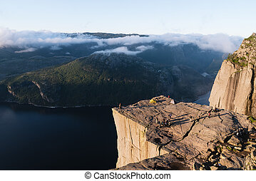 lysefjord, norvège, fjord, preikestolen, falaise