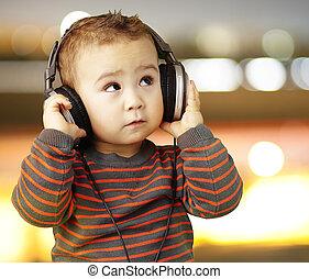 lyssnande, stående, musik, stilig, stad, se, unge