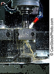 máquina, con, metal-working, refrigerante