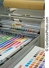 máquina, imprimindo