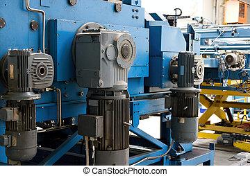 máquina, metal, corte, endireitar