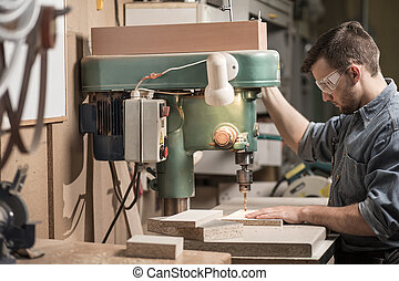 máquina, usando, carpinteiro, broca