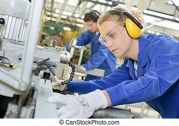 máquina, usando, mulher, industrial