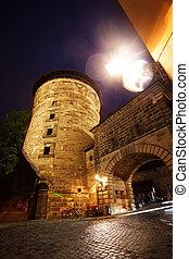 más cerca, vista, de, kaiserburg, con, torre, nuremberg