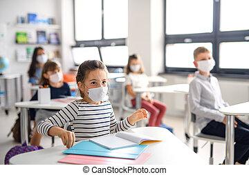 máscara, espalda, cuarentena, cara, lockdown., escuela, después, covid-19, niños