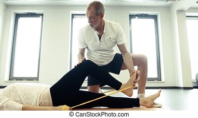 mâle aîné, kinésithérapeute, fonctionnement, à, a, femme,...