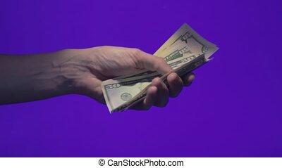 mâle, chroma, écran, tient, dollar, haut, cinquante, billets banque, clã©, main, jets