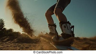mâle, coucher soleil, sandboard, sauter, sandboarder