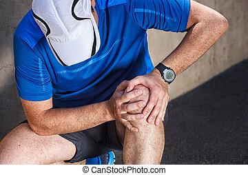 mâle, coureur, avoir, problèmes, dans, genou, joint.