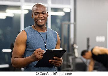 mâle jeune, américain, africaine, entraîneur personnel