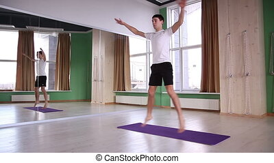 mâle jeune, yoga