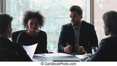 mâle, négociations, associé, homme affaires, groupe, poignée...