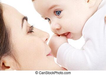 mãe, #2, tocando, bebê, feliz, menino