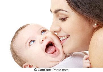mãe, beijando, dela, bebê
