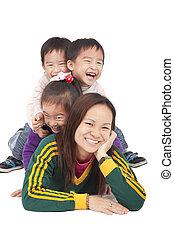 mãe, feliz, crianças, três, asiático