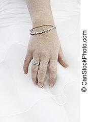 mão, de, noiva, com, anel casamento