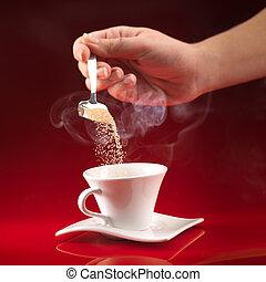mão, despejar, açúcar, em, xícara café