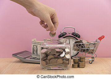 mão, dinheiro saving, moeda, em, cofre, ligado, desk., conceito, finance.