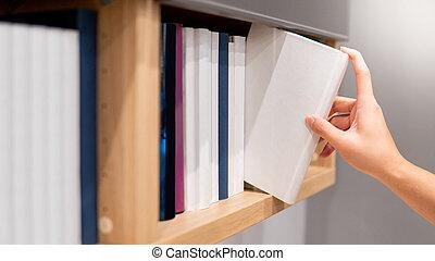 mão, livro, estante, colheita, macho, branca