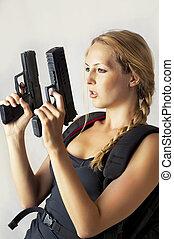 mão, mulher, arma, segurando, dois