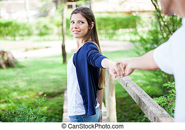 mão, mulher segura, namorado