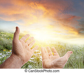 mãos alcançando