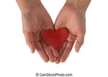 mãos, com, um, coração vermelho