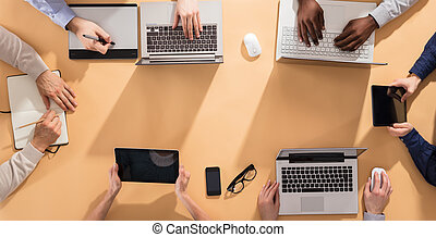 mãos, grupo, escrivaninha