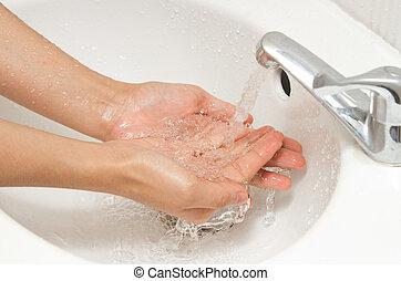 mãos lavando, sob, fluir, água torneira