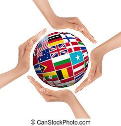 mãos, segurando, globo, com, bandeiras, de, world., vector.