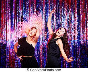mädels, tanzen