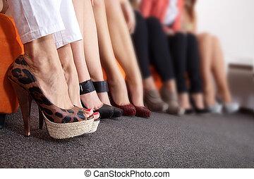 många, fötter, med, skor