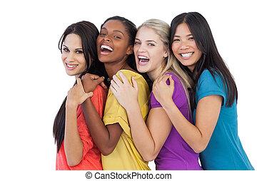 mångfaldig, unga kvinnor, skratta, kamera, och, omfamna