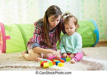 maison jeu heureux gosse m re photo de stock rechercher images et clipart csp22493924. Black Bedroom Furniture Sets. Home Design Ideas