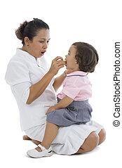 mère, alimentation, elle, petite fille
