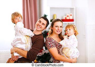 mère, arbre, père, portrait, fille, noël famille, jumeaux