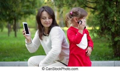 mère, conversation, enfant