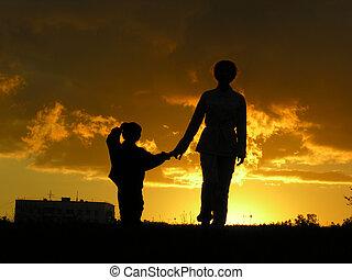 mère, coucher soleil, fils