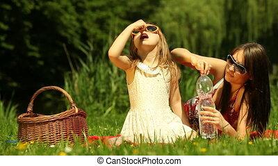 mère, dau, femme, jeune, picnic.