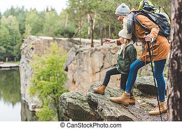 mère, fille, ensemble, trekking
