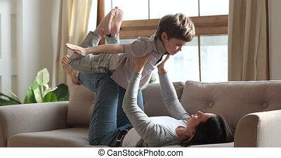 mère, garçon, jouer, rigolote, preschooler, avion, jeu, ...