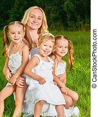 mère, heureux, été, family., beaucoup, enfants