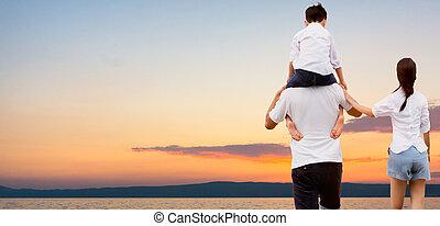 mère, père, porter, épaules., fils, sien